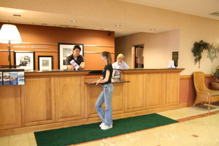 Hampton Inn & Suites - Kalamazoo