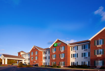 Holiday Inn Express Suites - Williamsburg Michigan